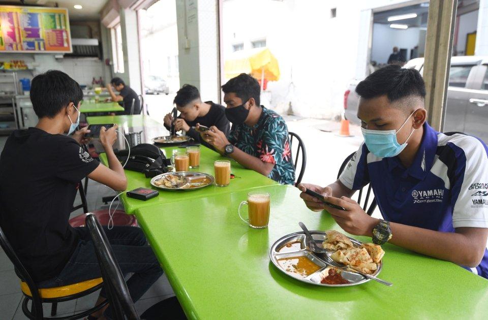 Kerajaan Membenarkan Makan (Dine-In) Di Kedai Bermula 10 Februari 2021