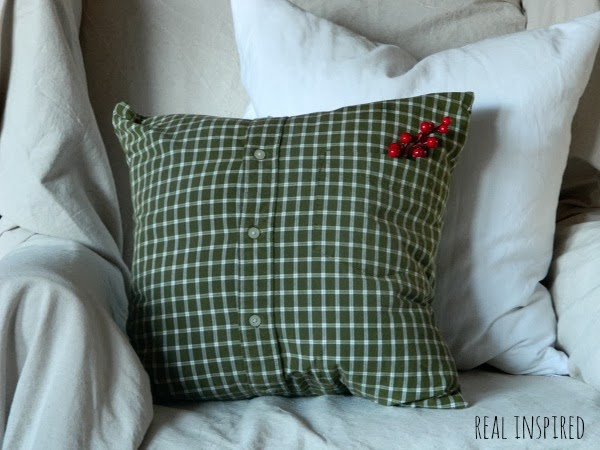 DIY Shirt Christmas Pillows