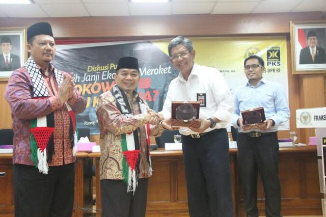 Jokowi Janji Bikin Ekonomi Meroket, Jazuli: Jauh Panggang dari Api