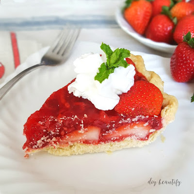 This fresh strawberry pie is one recipe you need to try this summer! Made with fresh berries, it is stunning as well as delicious! Get the recipe at diy beautify.