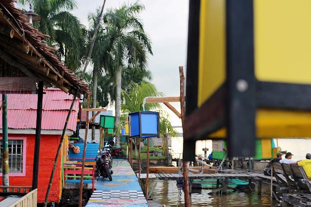 Keadaan Kampung Wisata Kuantan yang penuh Warna