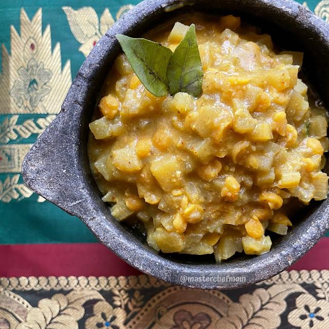 Vazhaithandu Kootu recipe