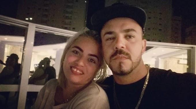 Esposa de piloto que morreu ao bater em poste diz que marido a beijou antes de sair de casa: 'Olhou como se fosse me deixar'