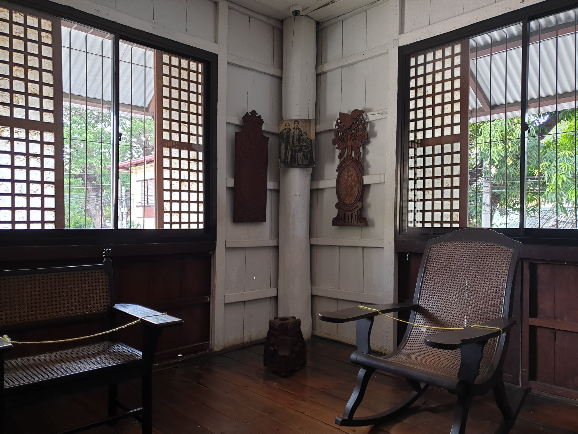 Corner of the master bedroom, showing prominent use of capis shell windows and Philippine hardwood (B. Balaguer, NMP AABHD)