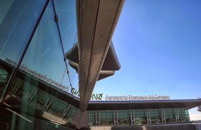 Fachada do Aeroporto do Porto