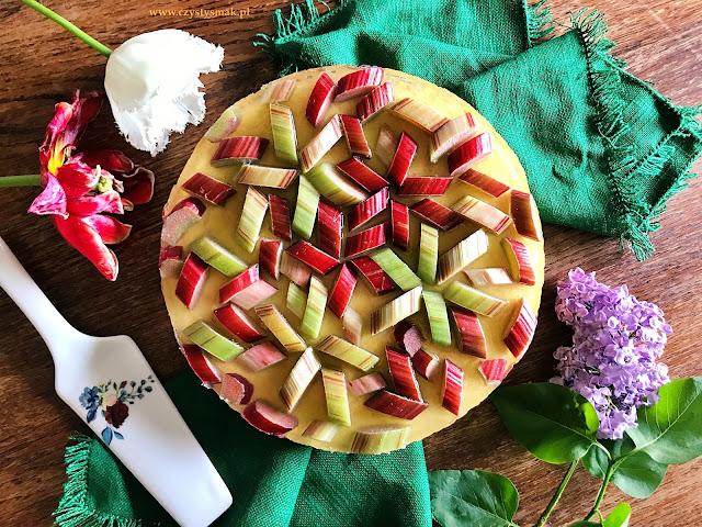 Keto biszkopt z owocami