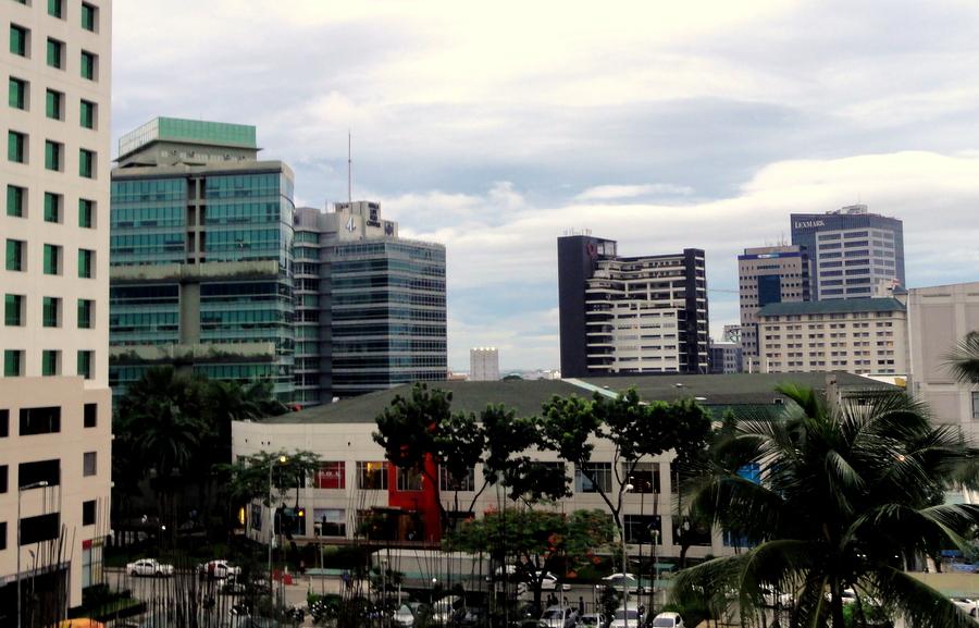 Family bonding at the mandarin plaza cebu travel and - Mandarin hotel cebu swimming pool ...