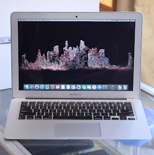 MacBook Air Core i5 13-inchi Early 2015 Fullset