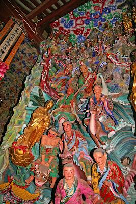 Qiongzhu Temple arhats