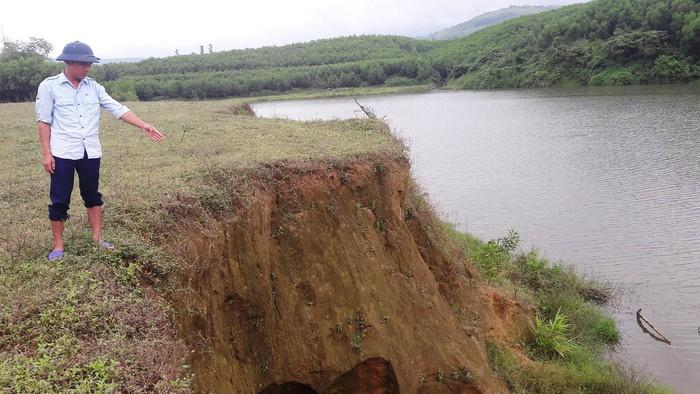 Sông Rào Trổ sạt lở nghiêm trọng nuốt đất nông nghiệp