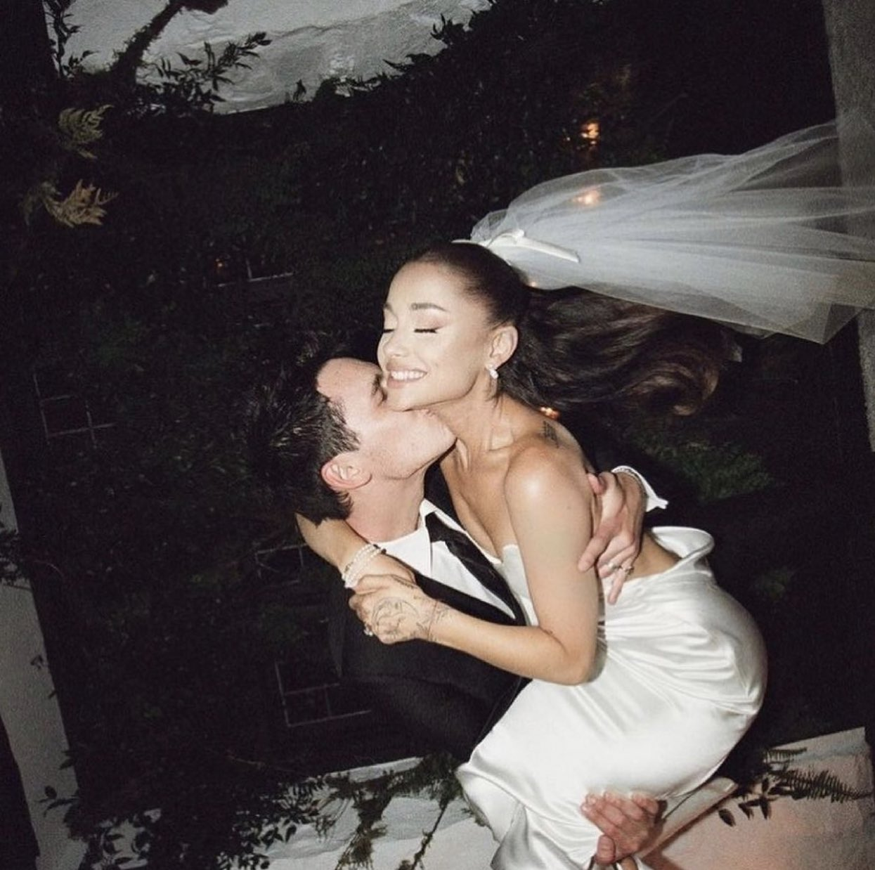 Pop Singer, Ariana Grande Shares Pictures From Intimate Wedding