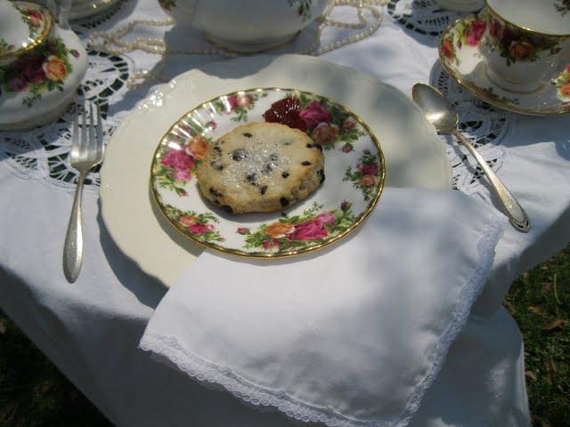 Royal Albert Old Country Roses China Tea Set Lady