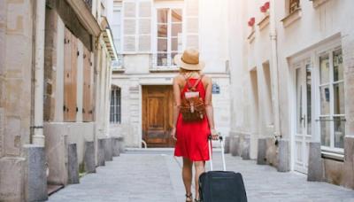 Traveling luar negeri