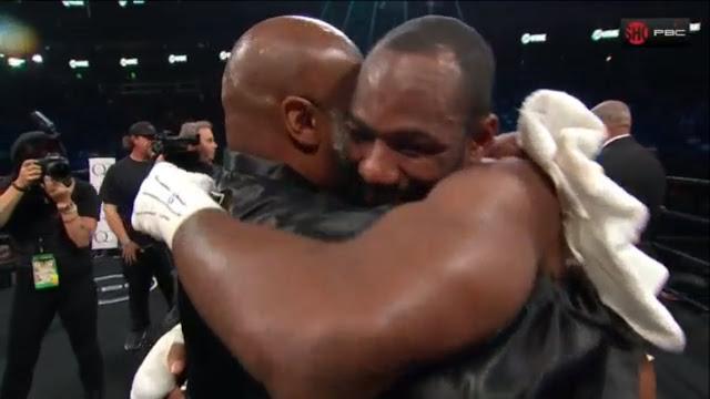 Thompson hugs Uzcategui