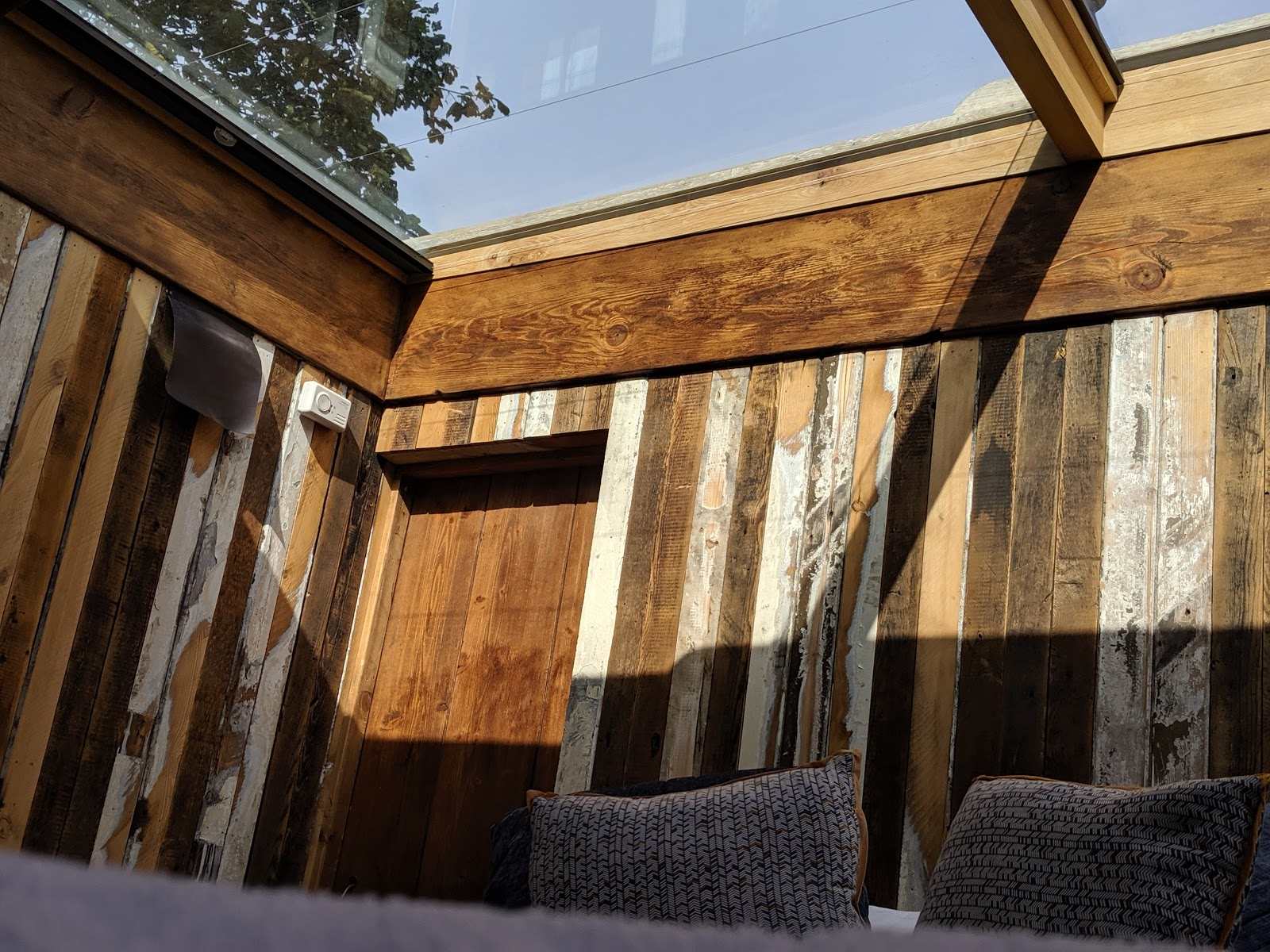 Shepherd's Retreats Beadnell Review - Dog-friendly Glamping in Northumberland - stargazing roof