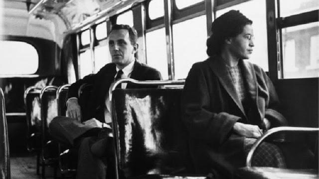 Cuando Rosa Parks no cedió su asiento a un pasajero blanco