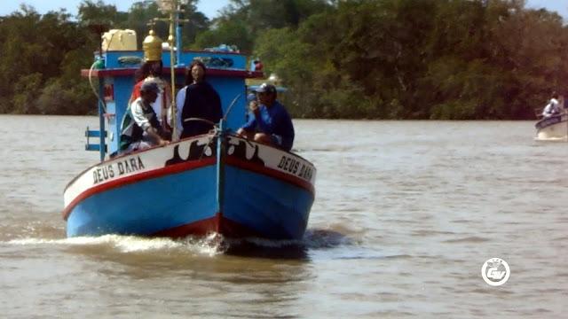 Procissão Fluvial em homenagem ao Dia de São Pedro, atrai centenas de fiéis