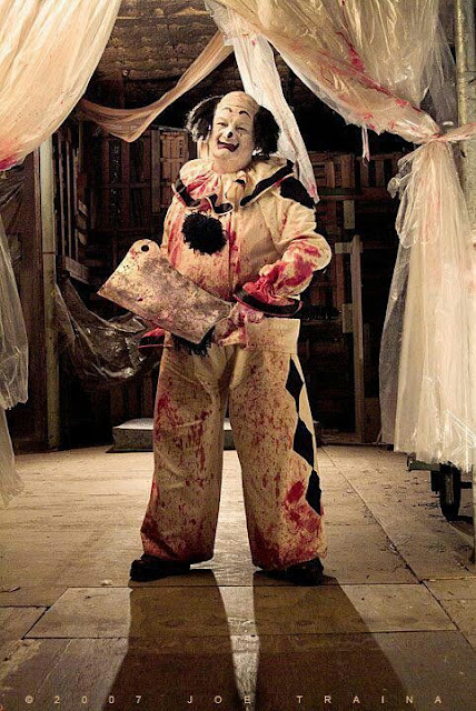 Самые страшные клоуны и клоуны убийцы http://prazdnichnymir.ru/герои, злодеи, кино, киногерои, клоуны, мистика, монстры, нечисть, самые ужасные, триллеры, ужасы, фантастика, фильмы ужасов, цирк, клоуны злодеи, клоуны маньяки, маньяки в кино, про клоунов, про ужасы, про цирк, клоуны страшные, клоуны убийцы, циркачи, цирк страшный, фильмы ужасов, страх, боязнь клоунов, фобия, коулрофобия, coulrophobia, Праздничный мир, страшилки,