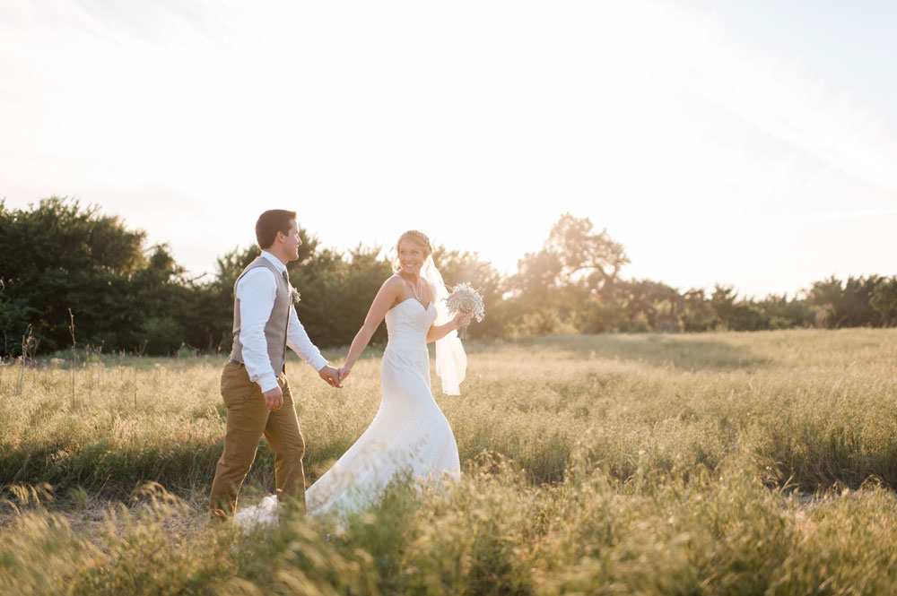 Spring Oklahoma Wedding at the McGranahan Barn in Yukon, OK