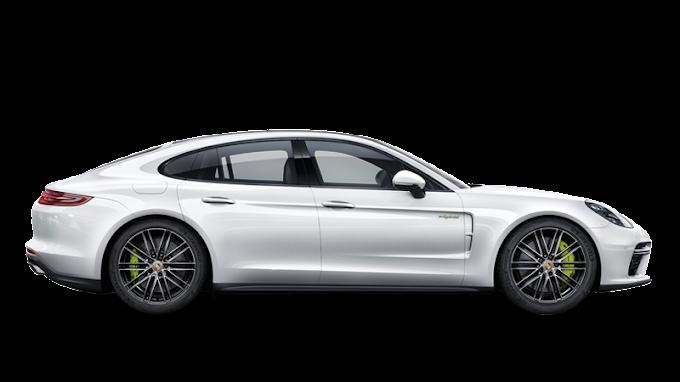 Porsche richiama 75000 per problema al software