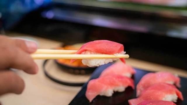 tuna, 7 makanan sehat yang berbahaya
