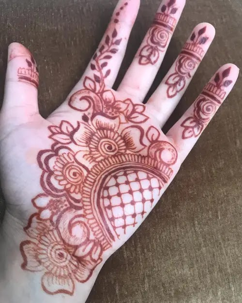 Side-net-with-flowers-mehandi-design