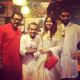 Ashna Habib Bhabna Biography, Hot HD Photos, Wallpapers With Actor Allen Shubhro