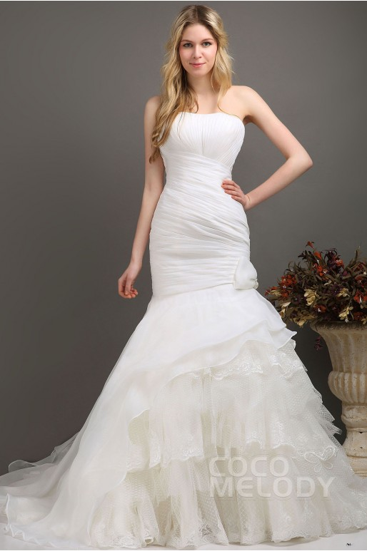 Unique Trumpet-Mermaid Sweetheart Chapel Train Organza Wedding Dress