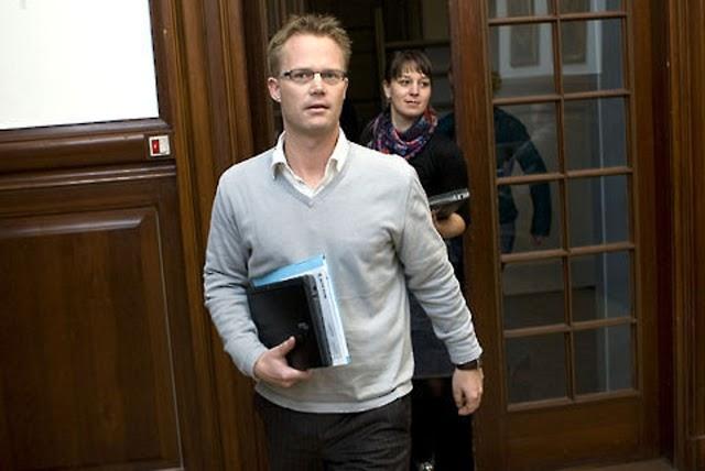15 éves lányt rontott meg a hazánkat bíráló dán külügyminiszter
