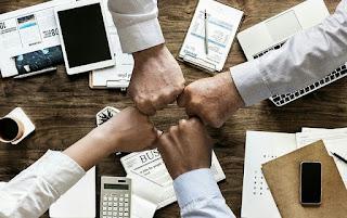 8 Manfaat Kerjasama Tim Dalam Menyelesaikan Pekerjaan
