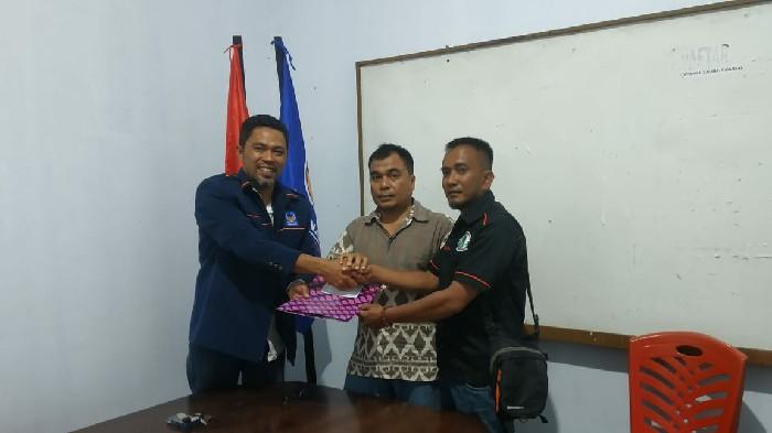 Ketua Fraksi Gerindra Soppeng Asmawi saat mengambil formulir Calon Bupati dan calon Wakil Bupati di Kantor Golkar dan NasDem Soppeng pada Rabu (25/9/2019) lalu