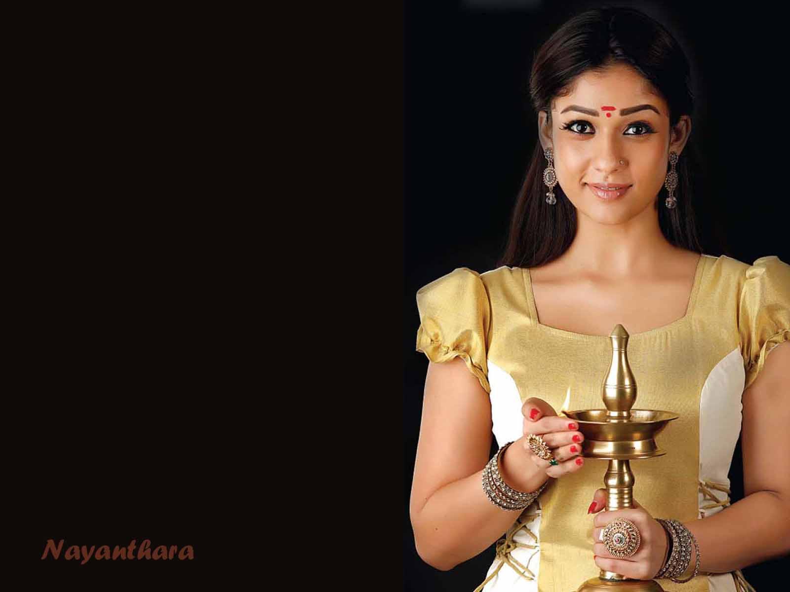 gorgeous actress nayantara wallpapers free download actress nayantara wallpapers free download
