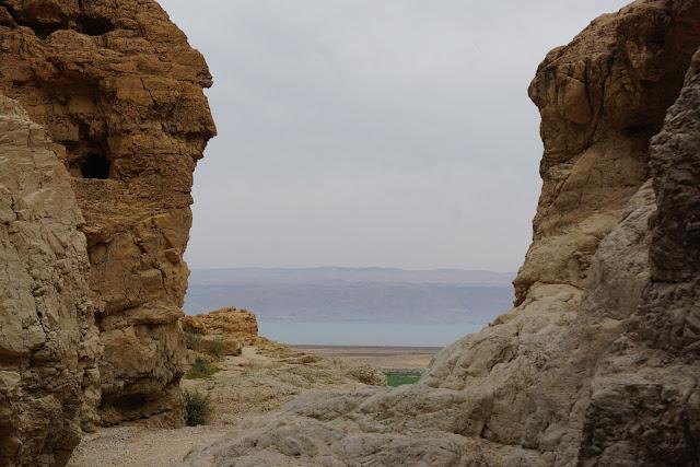 בולדרים בנחל קומראן