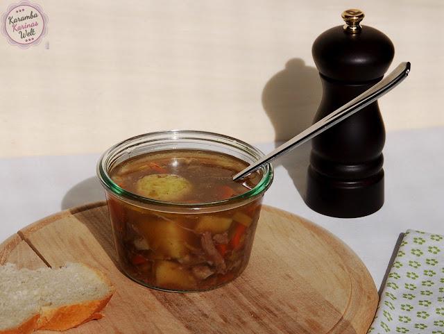 karambakarina 39 s welt rindfleisch suppe aus dem slow cooker ein richtig guter eintopf. Black Bedroom Furniture Sets. Home Design Ideas