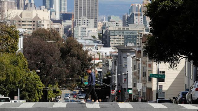"""كاليفورنيا تصدر أمر """"البقاء في المنزل"""" لـ 40 مليون نسمة"""