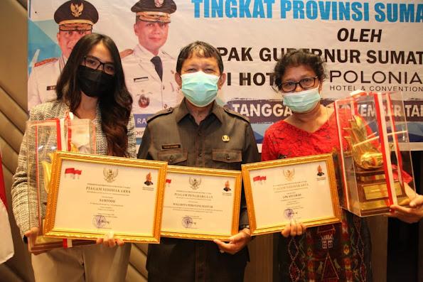 LPK Anugrah Terima Penghargaan Trophy Produktivitas Siddakarya Tingkat Sumut 2020