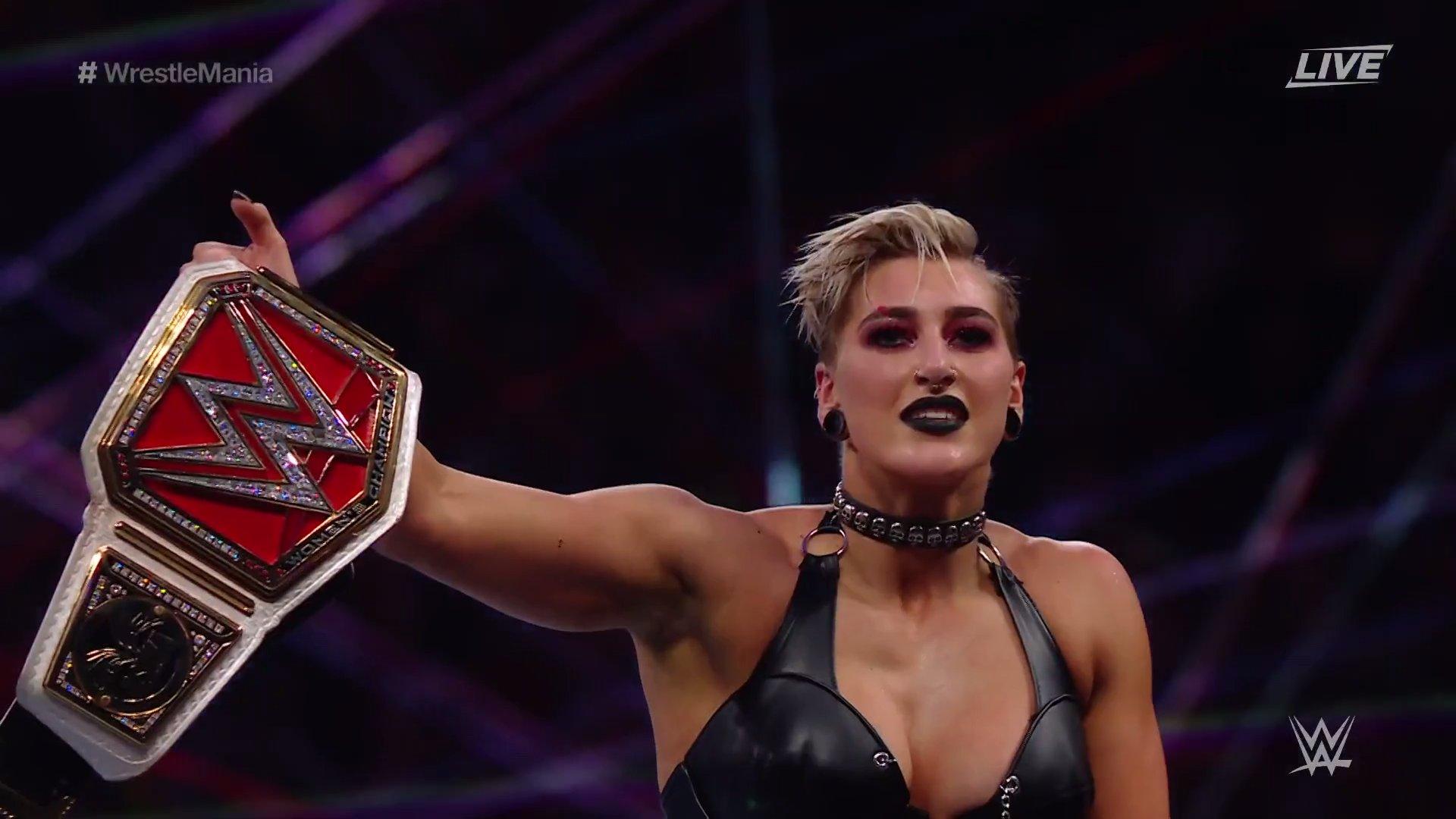 Rhea Ripley conquista o RAW Women's Championship