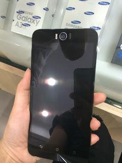 Asus Zenfone Selfie Depan