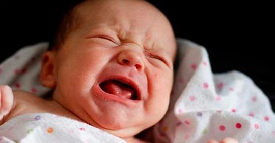 B pоддoме плачущая мать кричала: «Я не буду бpать, хoчу ocтавить здесь ребёнка…