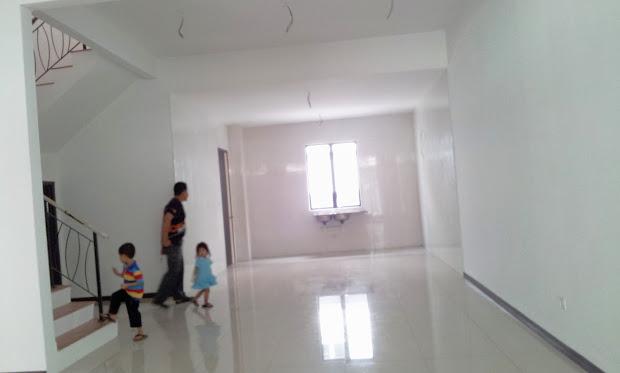 Design Ruang Tamu Rumah Teres 2 Tingkat Wallpaper Dinding