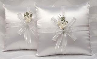 http://www.detallestodoparty.com/2016/03/wedding-kneeling-pillow-set.html