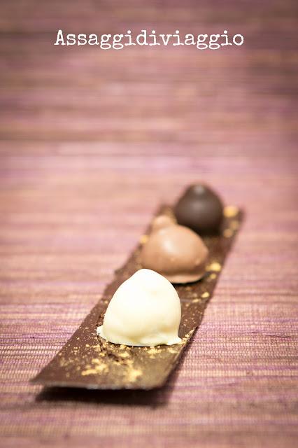 Baci perugina al cioccolato fondente, al latte e bianco