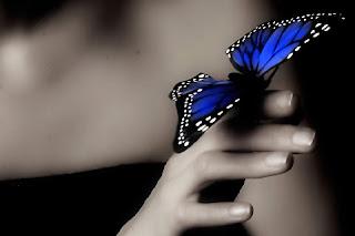 Η καρδιά του ανθρώπου  είναι ένα κουβάρι κάμπιες.  Φύσηξε, Χριστέ μου,  να γίνουν πεταλούδες!  Ν. Καζαντζάκης