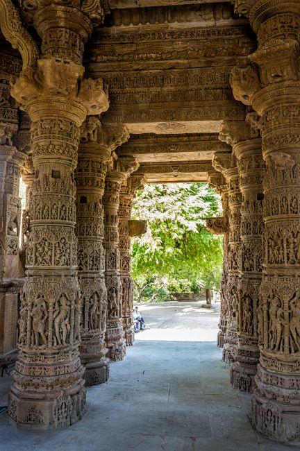 Pillars inside the Rang Mandap