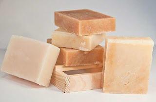 كيفية استخدام صابونة الكبريت لحب الشباب