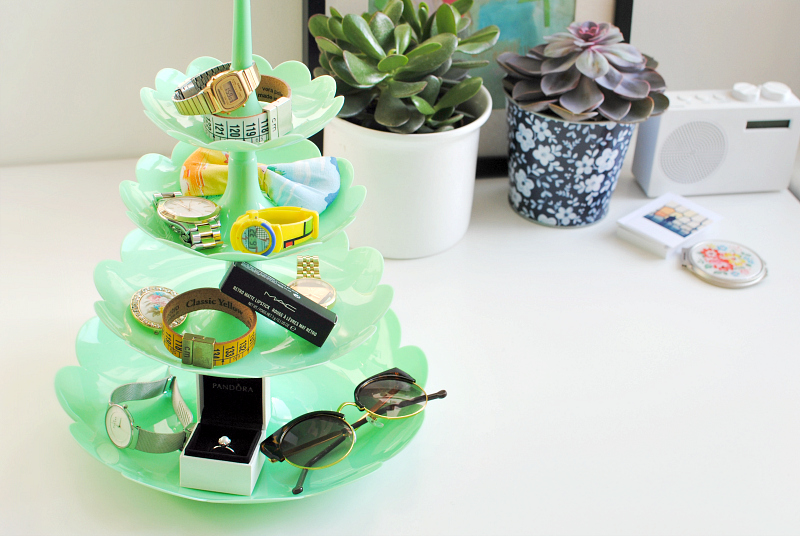 cake stand, kitsch, retro, fun,