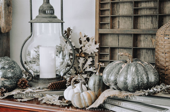 A great post packed with tips for getting that warm and cozy vibe when decorating for fall - tips that ANYONE can do!