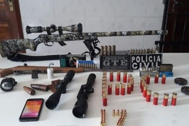 Homem é preso suspeito de transportar armas e munições em caminhões de peixes na Paraíba
