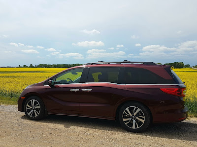 2018 Honda Odyssey on the prairie