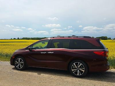 2018 Honda Odyssey on the prairie